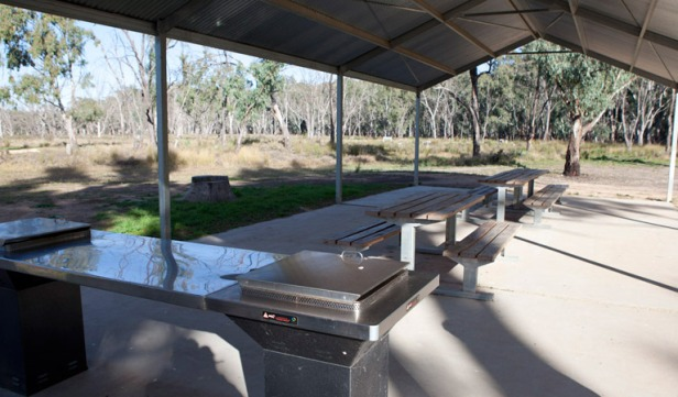 woolshed-picnic-area-01